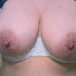 Showing Wife's Big Tits To All - Big Tits, Wife/Wives