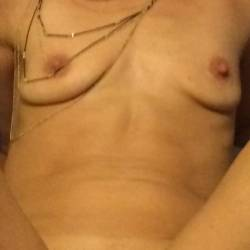 Medium tits of my wife - Hotbot