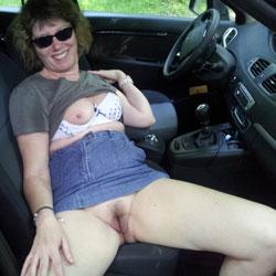 I Love No Panty Under My Skirt