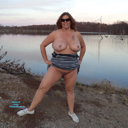 Out Before It Got Cold In Missouri - Big Tits, Nature