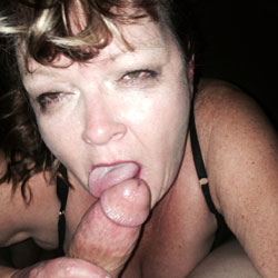 Tinder Slut Sucks Cock - Blowjob, Facials