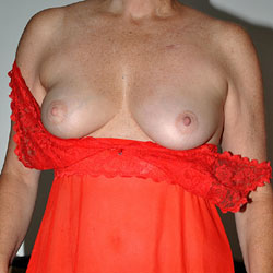 Sara Wearing Red - Big Tits, Shaved
