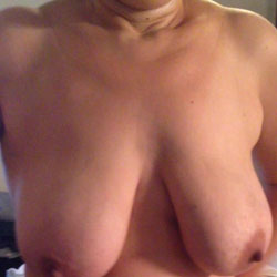 Big Hanging Tits - Wife/Wives, Big Tits, Hanging Tits