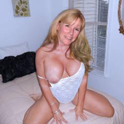 Medium tits of my girlfriend - my friend Sue