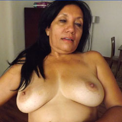 Chica Tremenda - Big Tits, Brunette