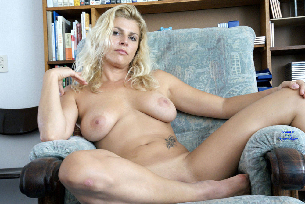 Full figured naked blondes — 5