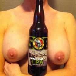 Medium tits of my wife - NW MILF