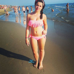 Friend - Bikini Voyeur, Brunette