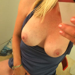 Hot Selfies - Big Tits