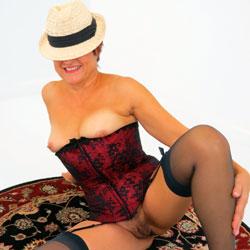 Mariska's Party On A Rug - Big Tits, Lingerie
