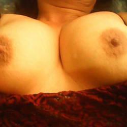 Medium tits of my girlfriend - Delicia