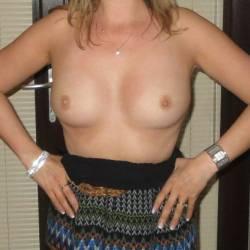 Medium tits of my wife - Louise