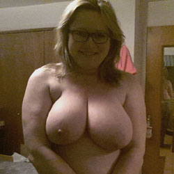 Showing Off - Big Tits, Wife/Wives