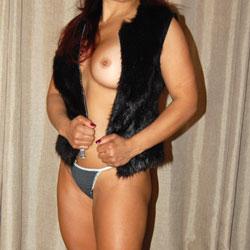 Sexy Latina - Big Tits