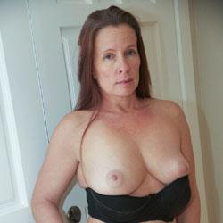 Indoors - Big Tits
