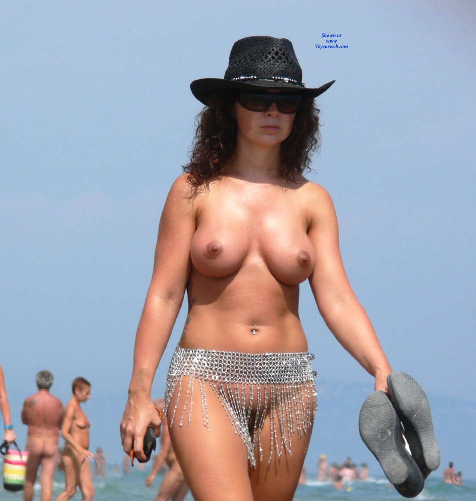 Pic #1 It's A Beautiful Day - Beach, Big Tits, Shaved