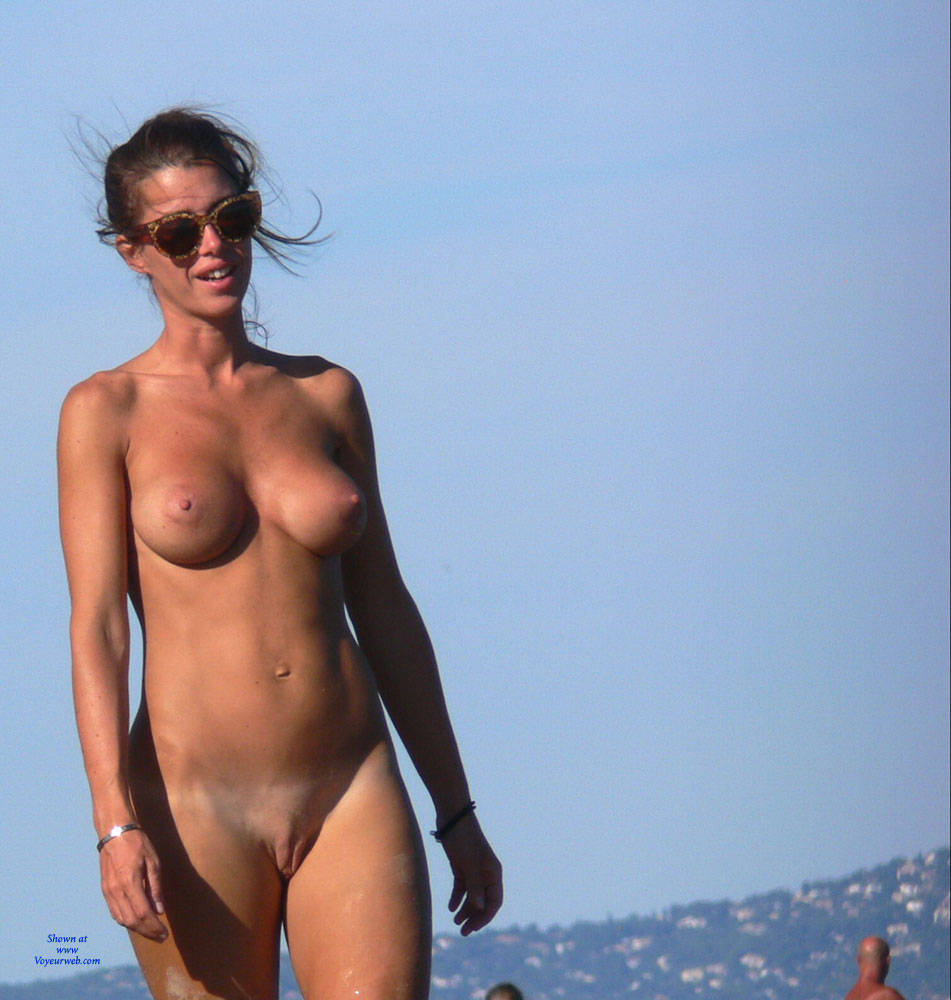Pic #8 It's A Beautiful Day - Beach, Big Tits, Shaved