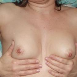 Medium tits of my wife - Jen C