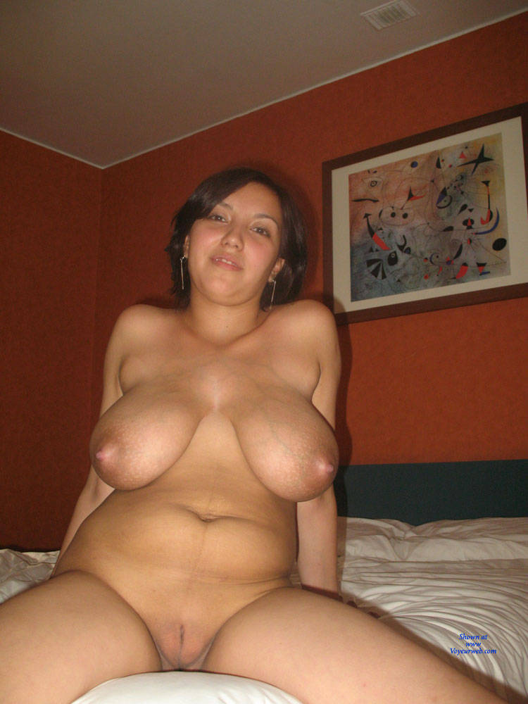 Amateur wife huge tits