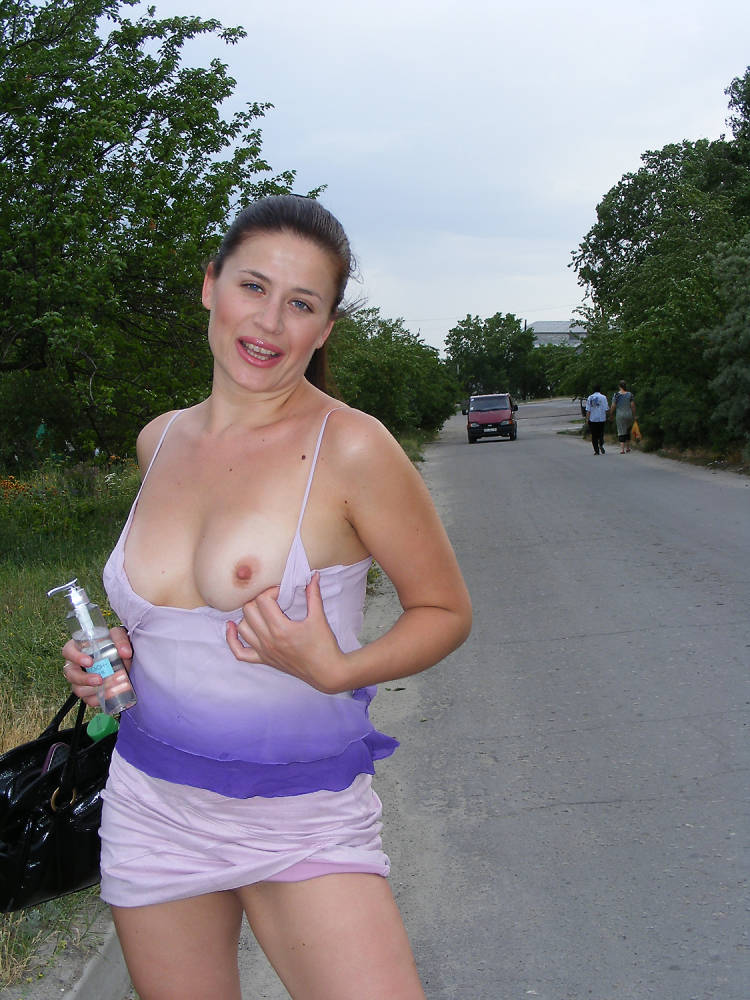 Hot young naked women in public with big titties foto 201