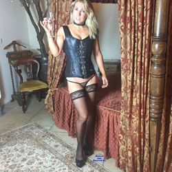 Luurrrvvllyy Leather !! - Blonde, Lingerie