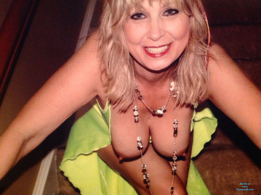Pic #1 - Feeling Sexy - Big Tits , Blonde, Milf, Horny Cougar, Sexy