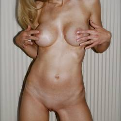 My medium tits - MILF