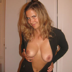 Fun Loving Girl - Shaved, Natural Tits, Blonde, Big Tits