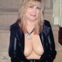 Feeling Sexy - Big Tits