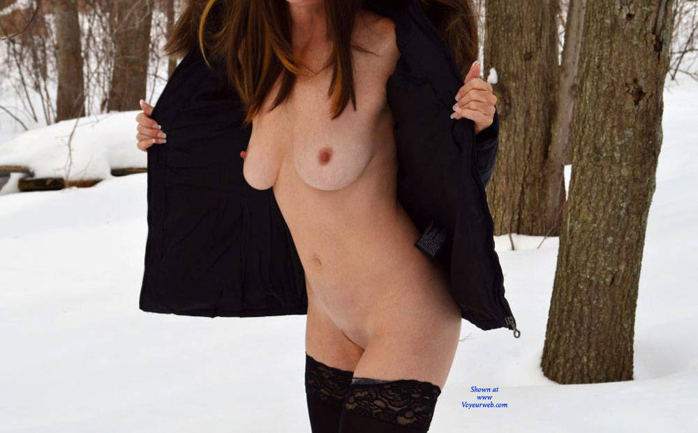 Pic #1 - Zeena's Makes Yellow Snow - Big Tits, Nude In Public , Horny, Nude, Outdoors, Sexy, Redhead