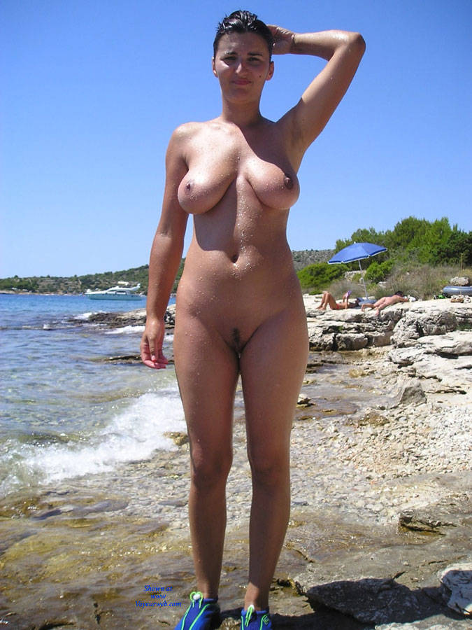 sexy naked women hard nipples