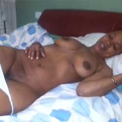 Esther en Primavera - Big Tits, Ebony