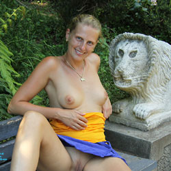 Bri In Jardim Tropical - Big Tits, Public Exhibitionist, Public Place, Shaved