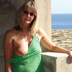 Hot In Green - Beach