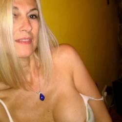 Large tits of my girlfriend - Sharon