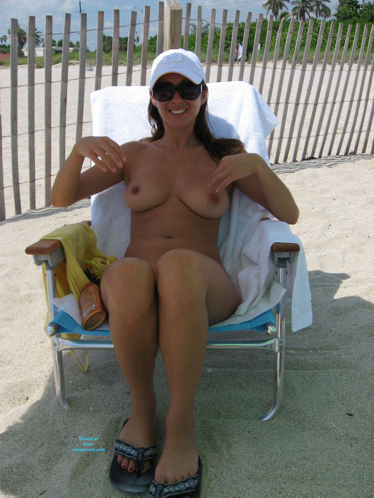Naked milf of the day