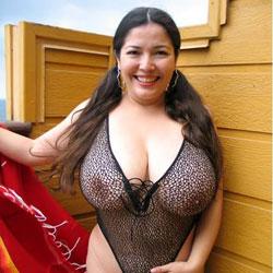 Senora Mustia y Cachonda - Big Tits, Brunette