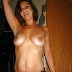 Wants To Be Seen - Big Tits