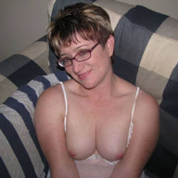 My medium tits - Redhot