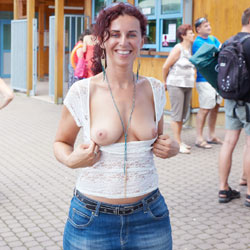Lena's NIP Adventure - Big Tits, Flashing, Public Exhibitionist, Public Place, Redhead