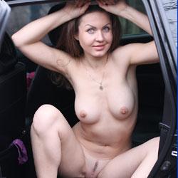 Nicole - Big Tits