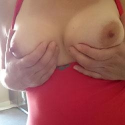 Leyla ve Memeleri - Big Tits