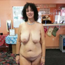 Lori - Big Tits, Brunette