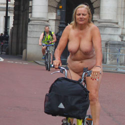 London Naked Bike Ride June 2015 - Big Tits, Public Exhibitionist, Public Place