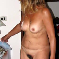Medium tits of my wife - MoglieNuda