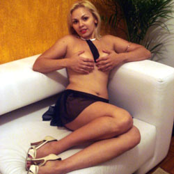Gata da Gol 2 - Blonde, High Heels Amateurs