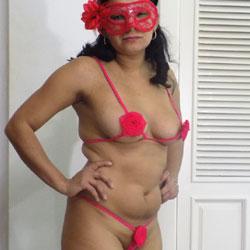 Katy de Rojo - Brunette