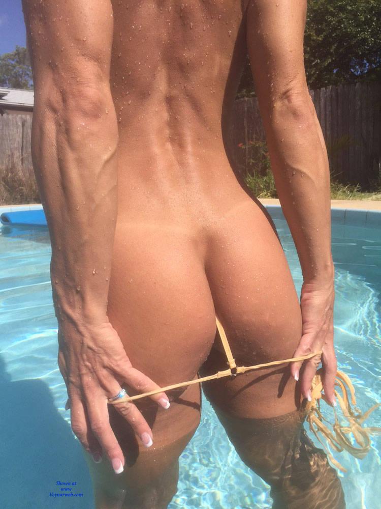 Bet on her show bikini