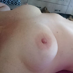 Red - Big Tits, Bush Or Hairy