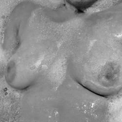 Medium tits of my girlfriend - japot